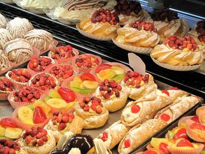 Pasticceria romoli a roma dolci e cornetto anche di notte for Dolci tipici di roma